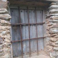 Otra de las antiguas ventanas bien conservadas
